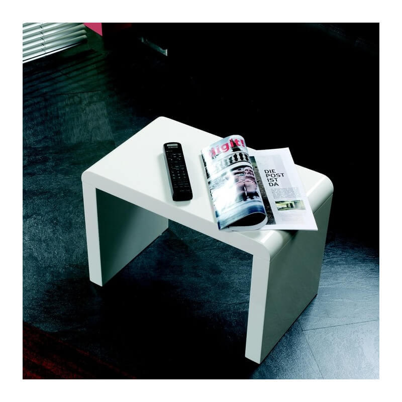 bout de canap blanc lisa tables d 39 appoint design noir et blanc. Black Bedroom Furniture Sets. Home Design Ideas
