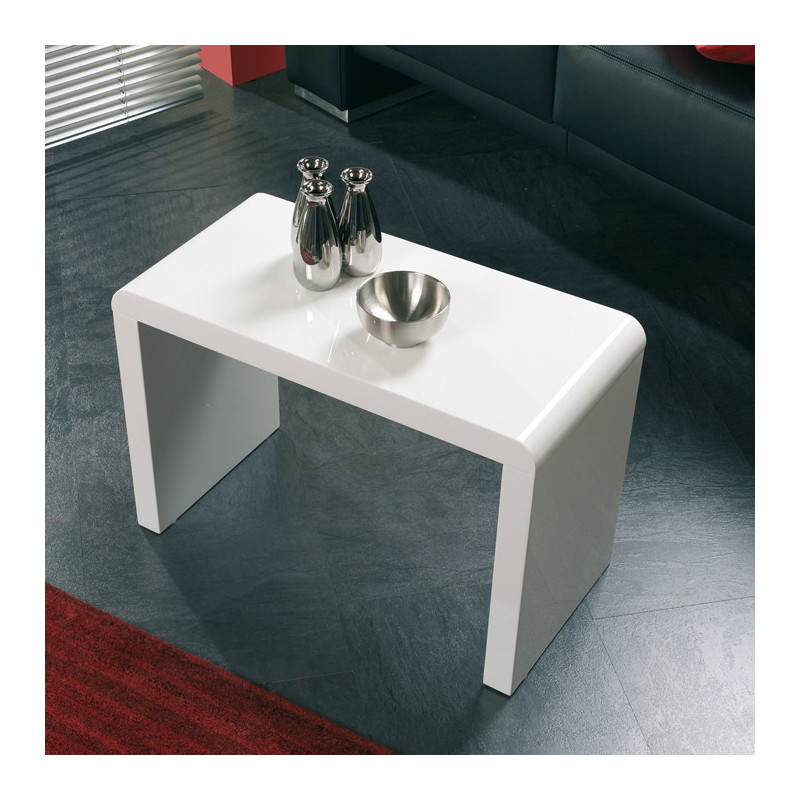 table d 39 appoint laqu e blanc lisa tables d 39 appoint design blanche. Black Bedroom Furniture Sets. Home Design Ideas